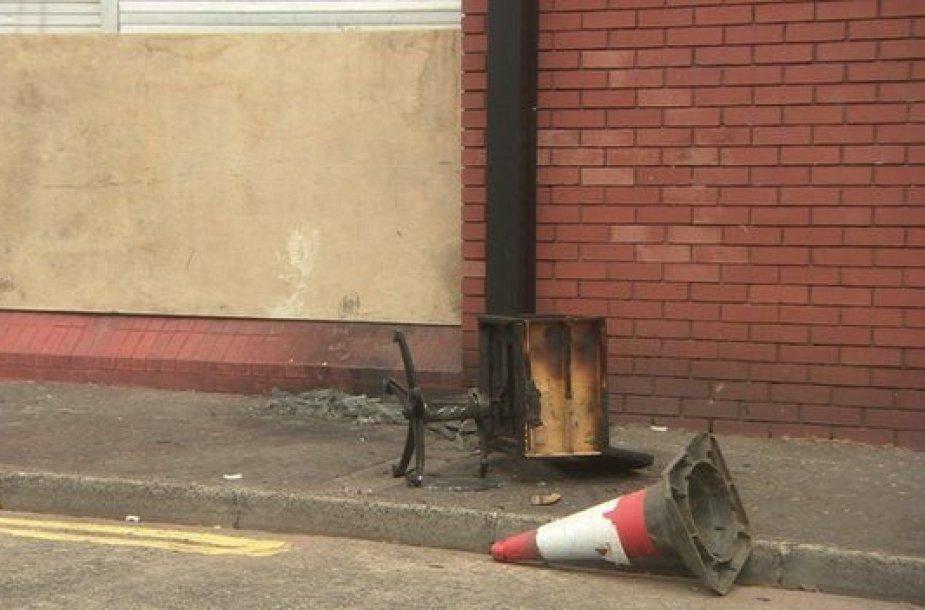 Padegtas lietuvės įkurtas grožio salonas Belfaste