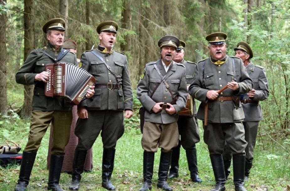 Šimtai žmonių pagerbė Aukštaitijos partizanus.