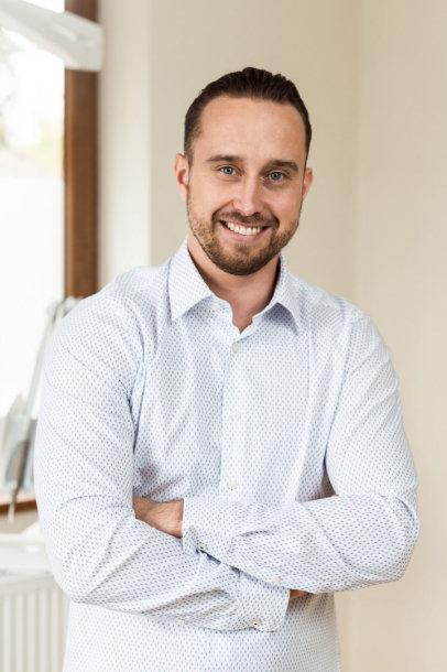 Panevėžio implantologijos centro chirurgas Rokas Kuprys