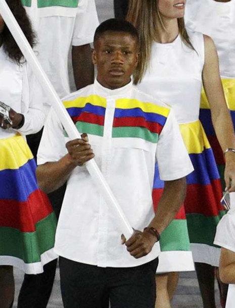 Jonas Junias Jonas nešė Namibijos vėliavą per atidarymo ceremoniją