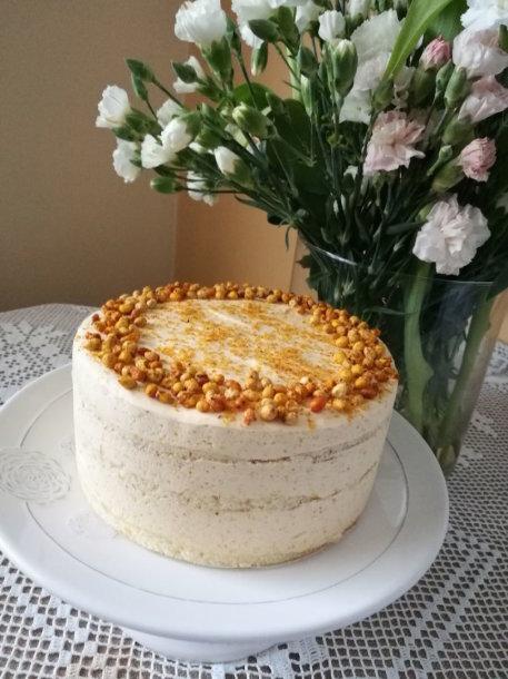 Kondensuoto pieno tortas su šaltalankiais