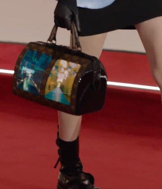 """""""Louis Vuitton"""" rankinė su dviem ekranais"""