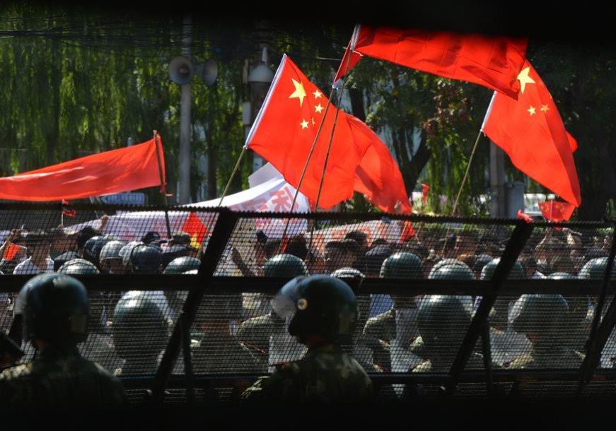 Kinijoje toliau vyksta protestai.
