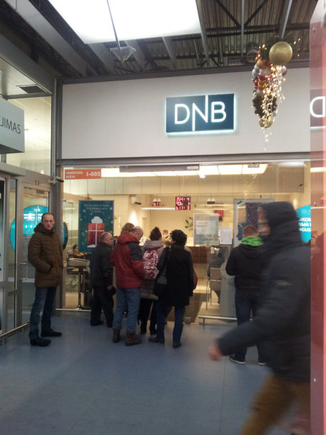 Žmonių eilė DNB banko