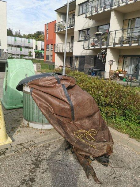Suplyšęs konteinerio maišas Santariškėse
