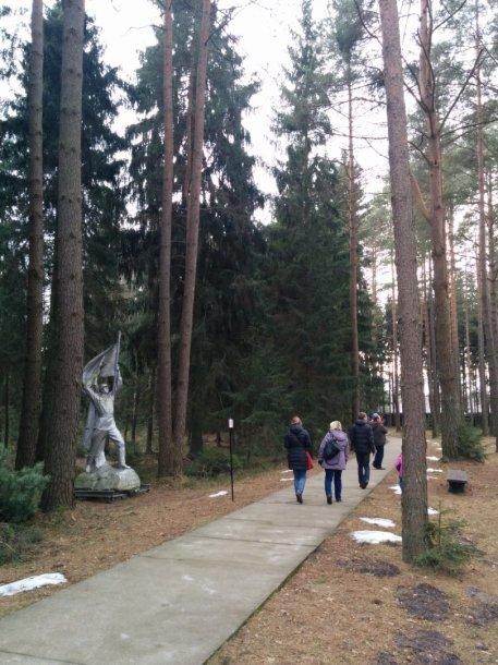 Lietuviai lanko Grūto parką