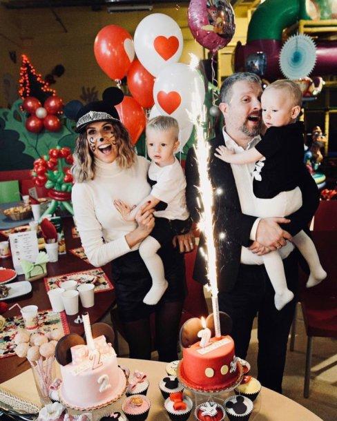 Katažina ir Deivydas Zvonkai su vaikais