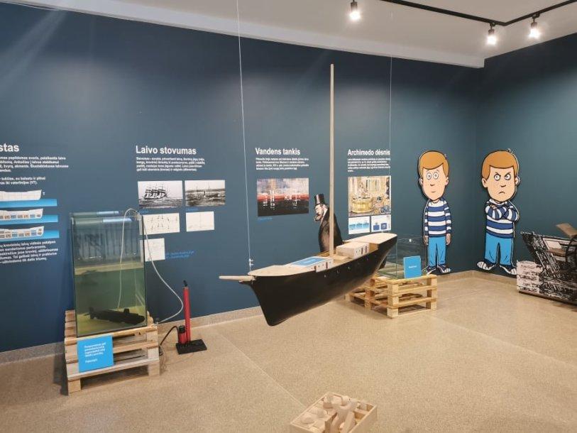 """Jūrų muziejaus ekspozicija """"Kodėl laivas plaukia?"""" tapo Klaipėdos jūrų kadetų mokyklos edukacinės erdvės pagrindu."""