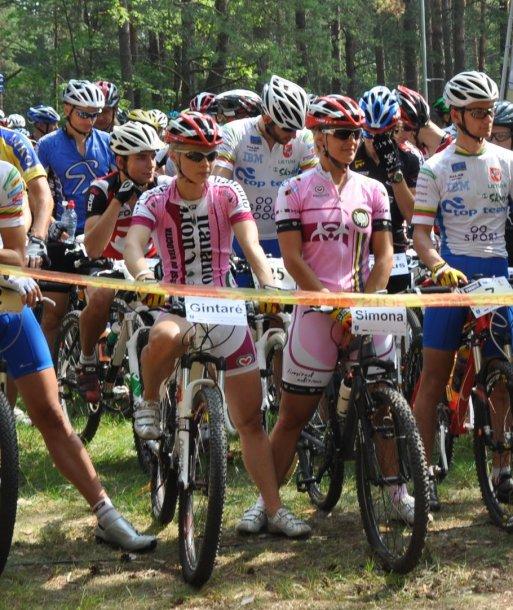 Simona Krupeckaitė dešinėje
