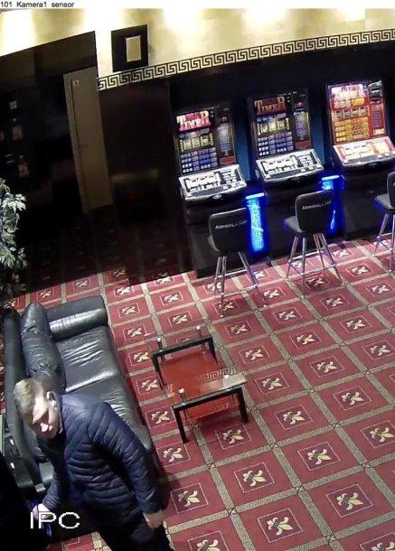 Kauno policija aiškinasi, kad nusprendė pasilikti sau svetimą piniginę