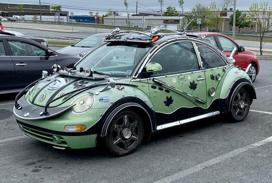 Labai keistai patobulintas VW Beetle