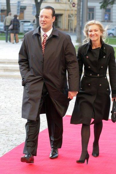 T.Kučinskas su žmona Lina atvyksta į Nacionalinės Pažangos Premijos 2008 Laureatų paskelbimo ir apdovanojimo ceremoniją Vilniaus Universitete.