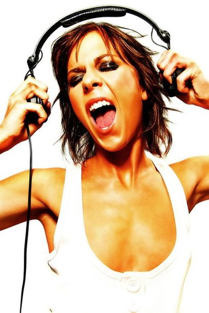 """Šeštadienį klube """"Global"""" koncertuos britė Kate Lawler muzika."""