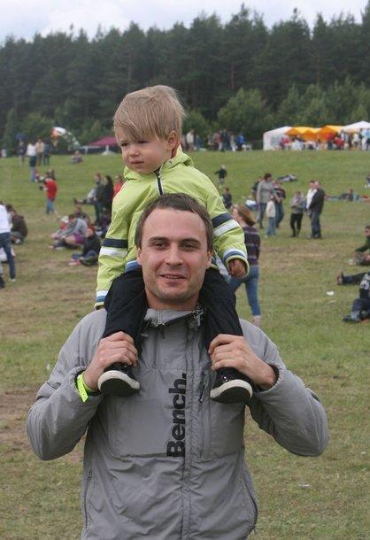 Mantas Jankavičius su sūnumi