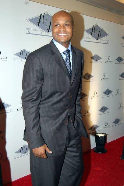 Profesionalaus krepšininko karjerą A.Walkeris baigė 2008 metais.