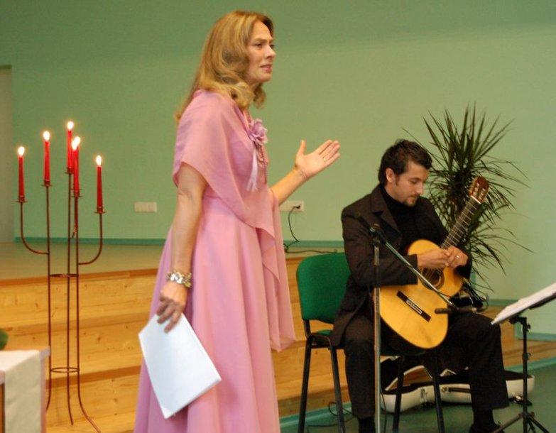 Knygos sutiktuvėse dalyvaus jos sudarytojai, taip pat keliautojas, fotomenininkas Vladas Vitkauskas, aktoriai Virginija Kochanskytė ir Petras Venslovas bei gitaristas Saulius Lipčius.