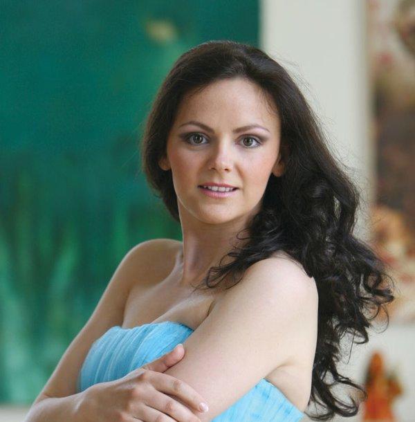 Živilė Lamauskienė debiutuoja kaip Violetos vaidmens atlikėja.