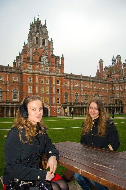 Foto naujienai: Lukrecija ir Marija VAUPŠAITĖS: dvi seserys ir žirgas Londone