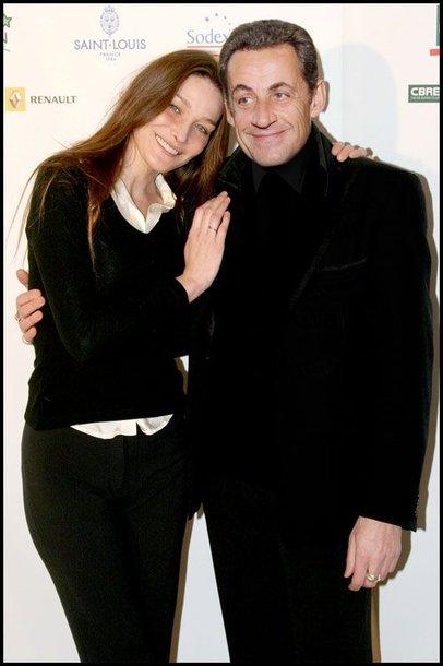 Foto naujienai: Prezidentas Sarkozy būtų atšaukęs vestuves