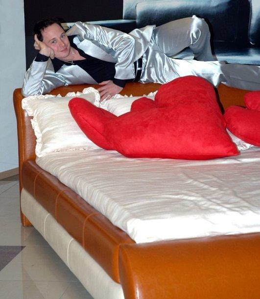 Foto naujienai: Mino savo mylimajai Kristinai Navickaitei šv.Valentino dienos proga dovanos lovą