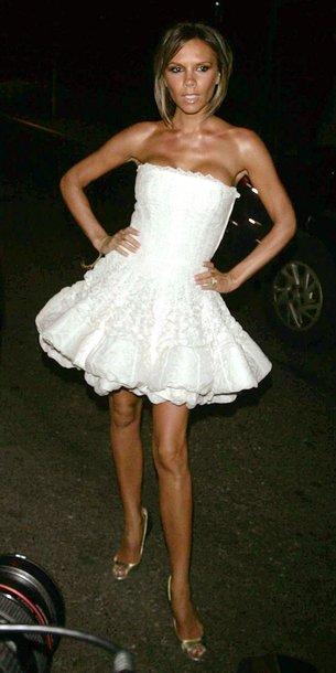 Foto naujienai: Victoria Beckham rengiasi neskoningiausiai