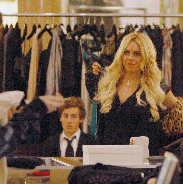 Foto naujienai: Lindsay Lohan nenustoja pirkti