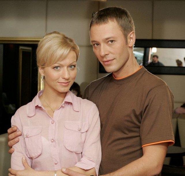 """Foto naujienai: """"Miesto romanso"""" žvaigždė Viktorija Gerasimova į filmavimus vedasi mylimąjį"""