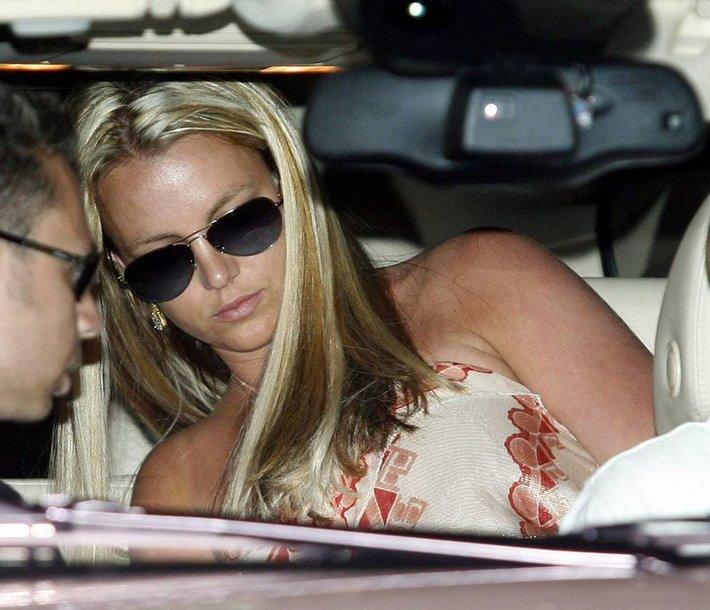 Foto naujienai: Britney Spears pateko į avariją
