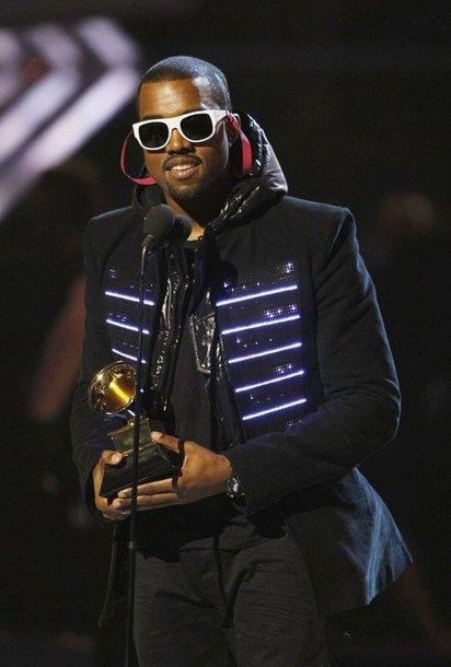 Foto naujienai: Kanye West: naujas požiūris po mamos mirties