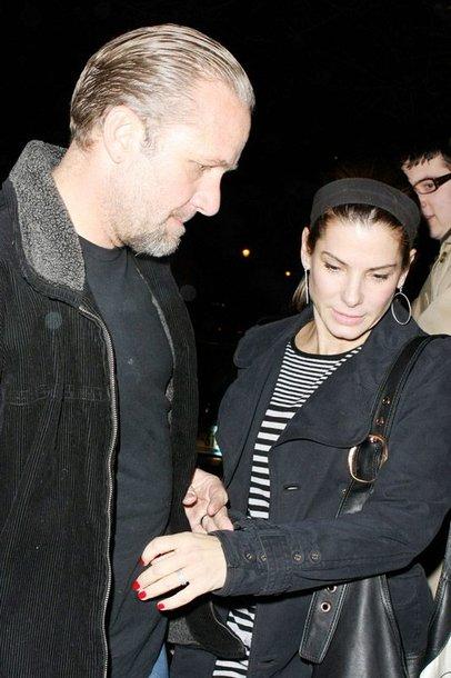 Foto naujienai: Sandra Bullock su vyru pateko į avariją