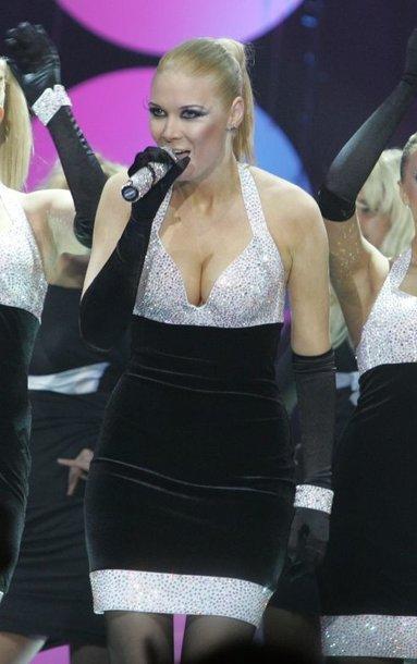 Foto naujienai: Gal jau laikas Natalijai Zvonkei keisti aprangą?