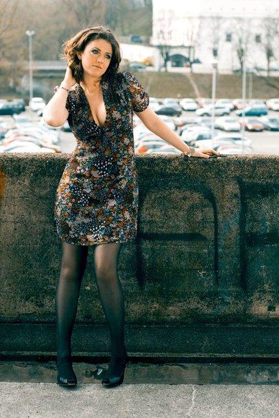 """Foto naujienai: Po ilgos pertraukos Erica Jennings pristato savo solinę dainą """"Pleasure"""""""