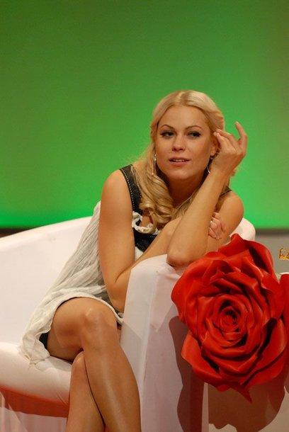 Foto naujienai: Nijolė Pareigytė prisipažino, kad būdama gamtoje iš palapinės net neišlenda