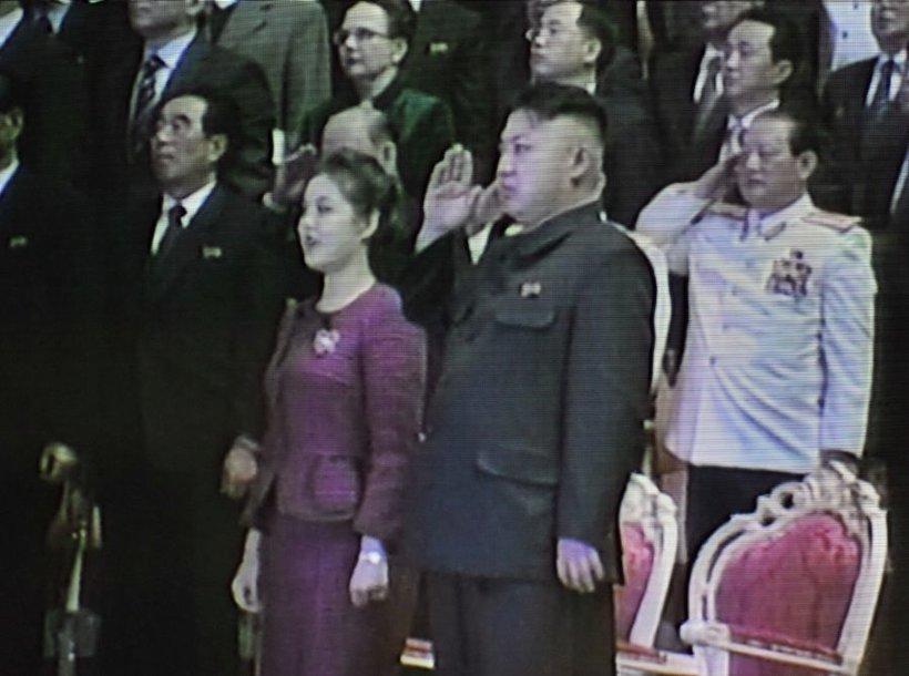 Kim Jong-unas su žmona
