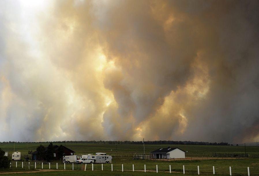 Miškų gaisrai nuniokojo šimtus hektarų.