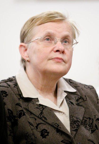 V.Daujotė