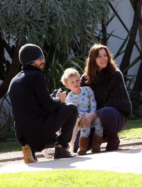 Liv Tyler su sūnumi ir draugu