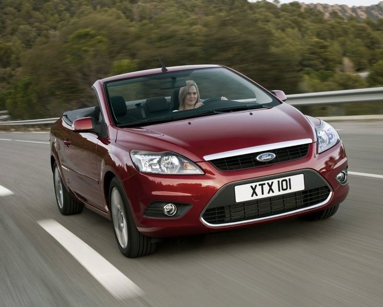 """Naujasis """"Ford Focus Cabrio-Cabriolet"""" – pranašesnis už savo pirmtaką"""