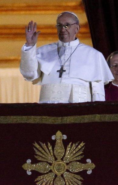 Popiežiumi išrinktas Jorge Mario Bergoglio, kuris pasivadino Pranciškumi