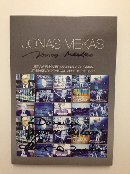 Artūras Zuokas kalėdinei labdaros akcijai padovanojo kolekcinį Jono Meko kurtą filmą