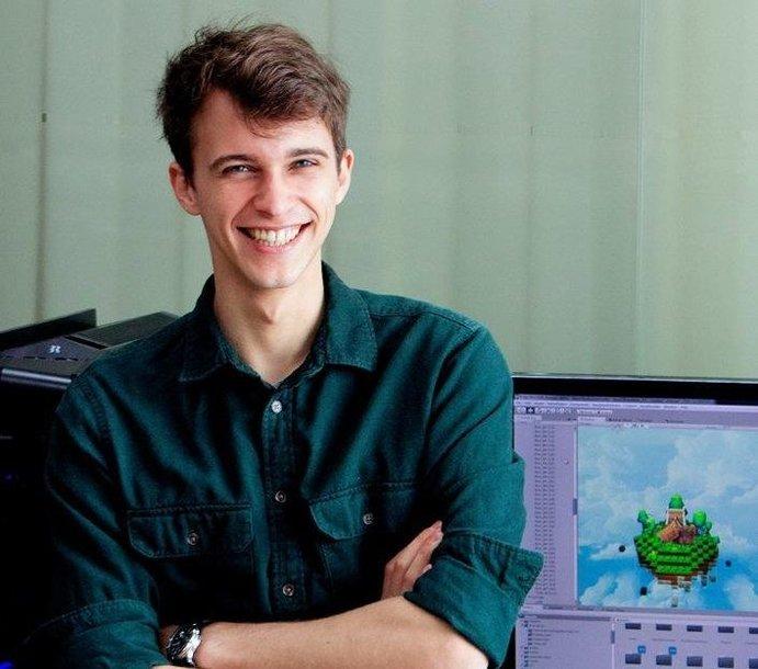 """Studijų programos  """"Informatika ir skaitmeninis turinys"""" studentas Artūras Gumbaragis"""
