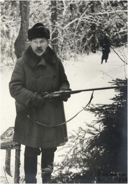 Prezidentas Antanas Smetona medžioklės linijoje, 1939 m., (LCVA, A075-P196).
