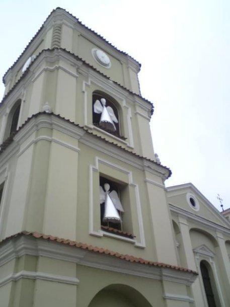 Renesanso stiliaus evangelikų reformatų bažnyčia pasipuošė angeliukais.