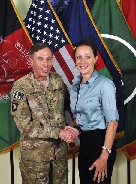 Davidas Petraeusas ir Paula Broadwell