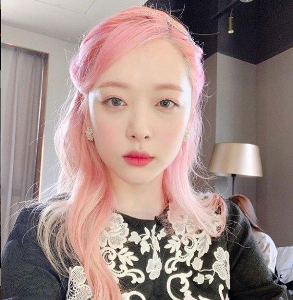 K-pop žvaigždė Sulli