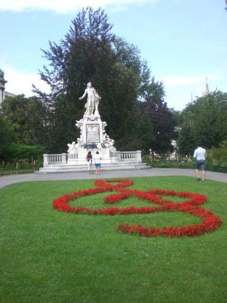 Viena – Mocarto skulptura