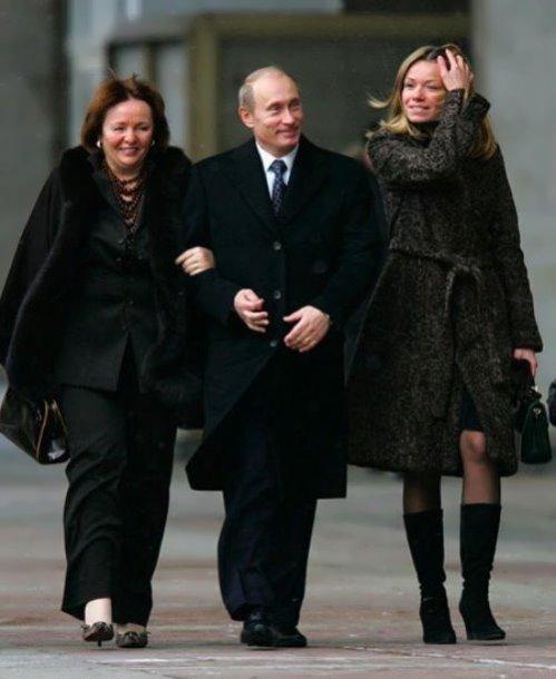 Vladimiras ir Liudmila Putinai su dukra Marija