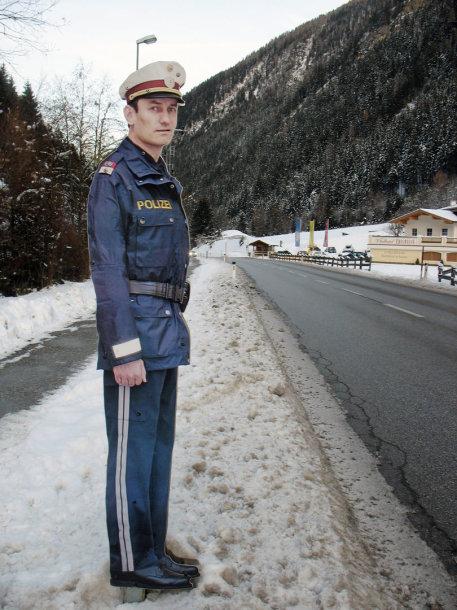 Klaipėdos gatvėje netrukus atsiras Austrijoje populiarūs metaliniai policininkų muliažai