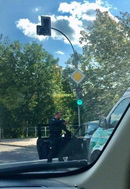 Vilniuje sustabdžius girtą vairuotoją, pareigūnui teko išsitraukti ginklą