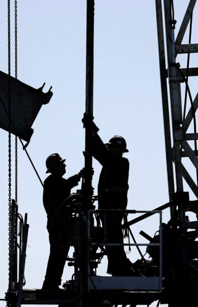 Naftos pramonės darbininkai